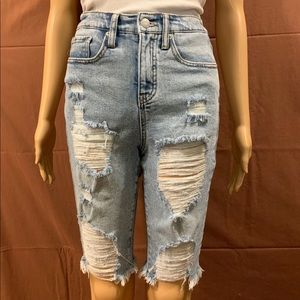 🌸EUC🌸Distressed High Rise Cut-Off Shorts